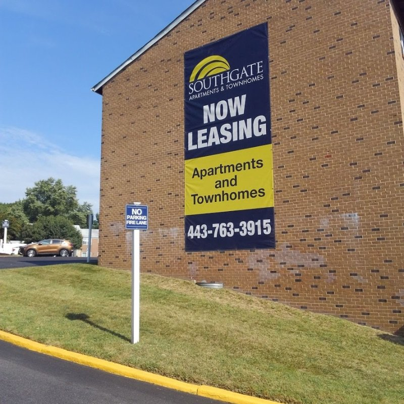 Banner Installed On Building by Sign Central, Inc.